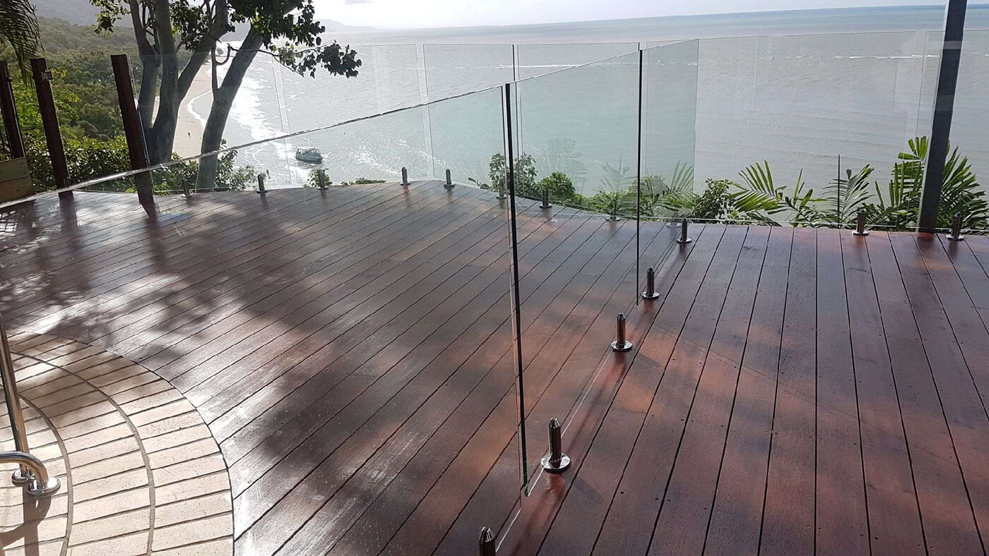 Frameless Glass Pool Fencing Cairns and Surrounds